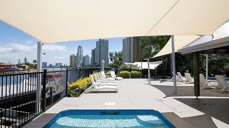 The Moorings On Cavill Surfers Paradise Apartments Exterior