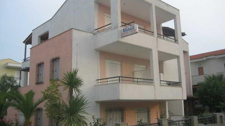 Molos Apartments Exterior