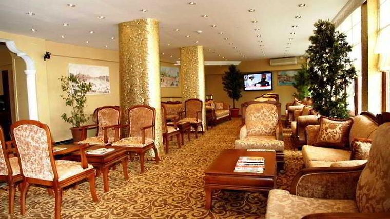 Best Town Palace Hotel Restaurant