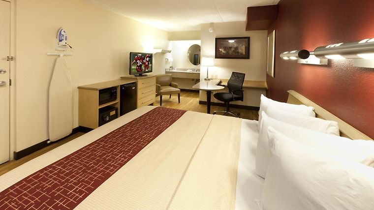°HOTEL RED ROOF INN DETROIT   WARREN, MI 2* (United States)   From US$ 55    BOOKED
