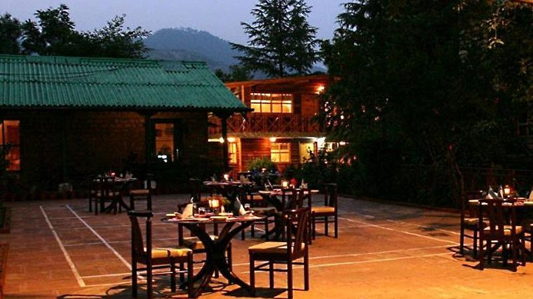 Mountain Club Bhimtal Exterior