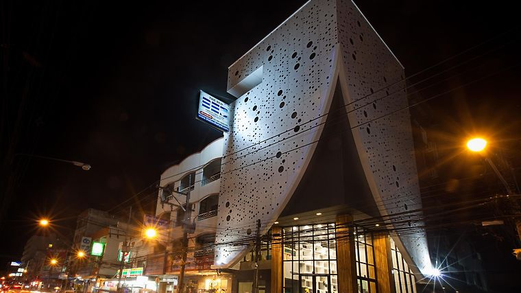 The Bed Hatyai Exterior
