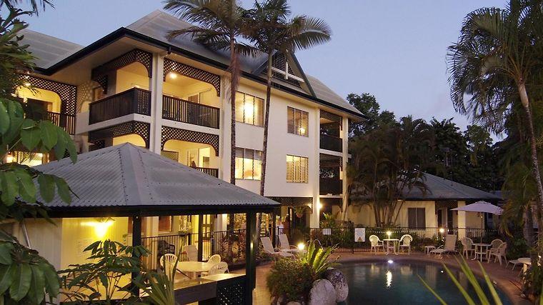 The Port Douglas Queenslander Hotel Exterior