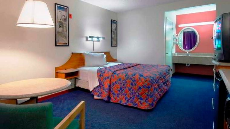 °HOTEL RED ROOF INN GALLUP, NM 2* (United States)   From US$ 53 | BOOKED