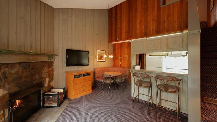 Douglas Fir Resort And Chalets Room