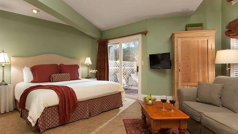 °HOTEL HARBOR LIGHT INN MARBLEHEAD, MA 4* (United States)   From US$ 281 |  BOOKED