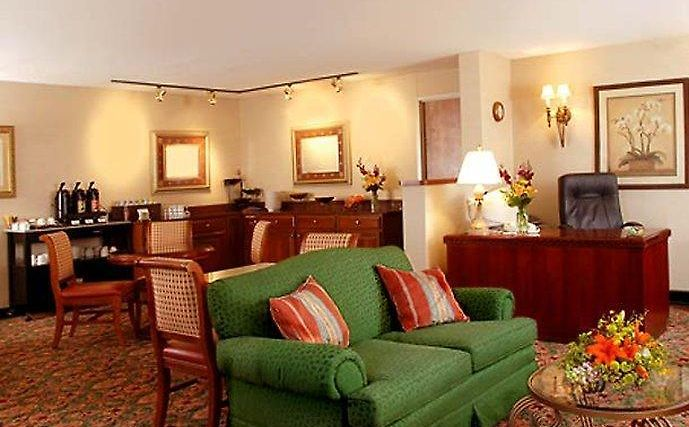Delta Hotel By Marriott Racine Wi 3 United States From Us 122 Booked