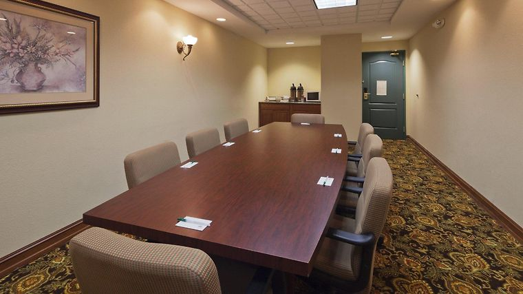 Country Inn And Suites By Carlson, Mansfield, Oh Business