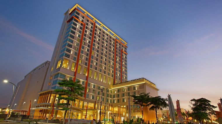 Harris Hotel & Convention Bekasi photos Exterior