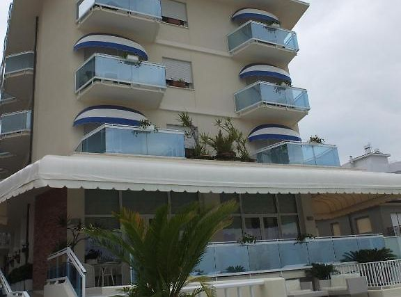 Canarie Exterior Hotel information