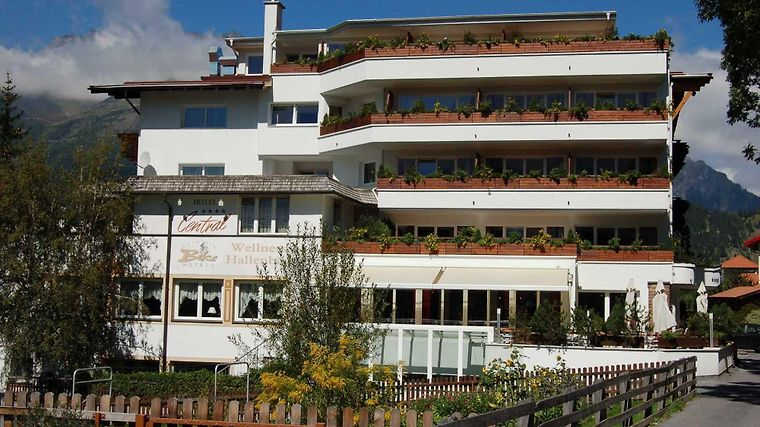 Alpen Comfort Hotel Central Exterior