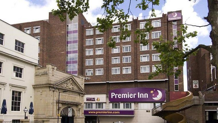 Premier Inn Newcastle City Exterior