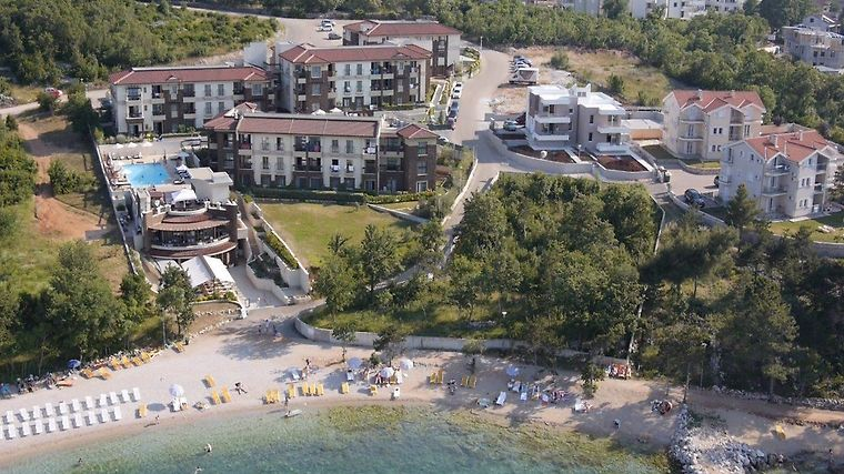 Hotel Blue Waves Resort - Malinska Exterior