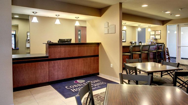 Cobblestone Hotel Suites Newton Il 2 United States From Us 92 Booked