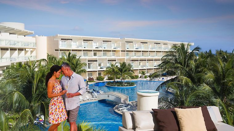 Hotel Azul Beach Resort Riviera Cancun By Karisma Puerto Morelos 5 Mexico From Us 377 Booked