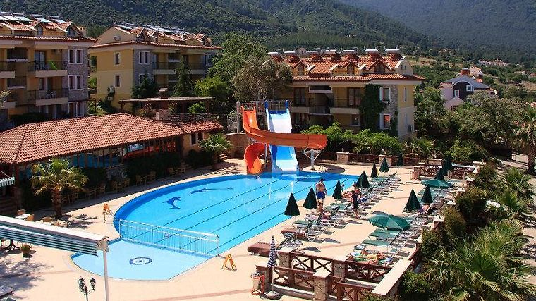 Perdikia Hill Family Resort Exterior