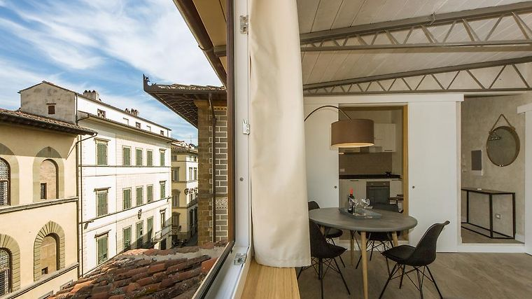 PAINTER'S ATTIC FLORENCE (Italy) - from US$ 155 | BOOKED