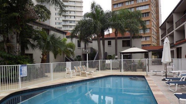 Burleigh Palms Holiday Apartments photos Exterior