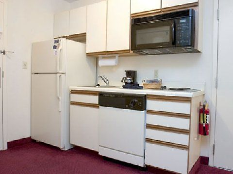 °HOTEL CANDLEWOOD SUITES BOSTON BRAINTREE, MA 2* (United States)   From US$  125 | BOOKED