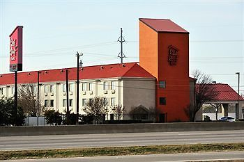 °HOTEL RED ROOF INN AUSTIN   ROUND ROCK, TX 2* (United States)   From US$  77 | BOOKED