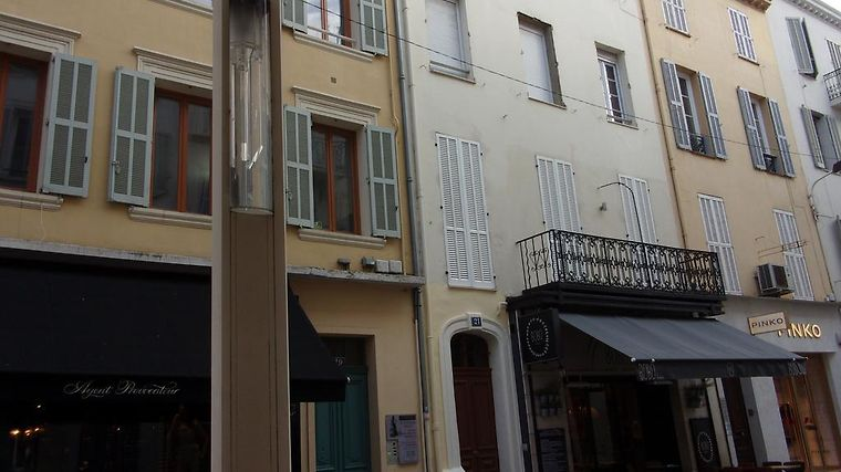 Meubles jos 39 s cannes france booked for Location meuble cannes