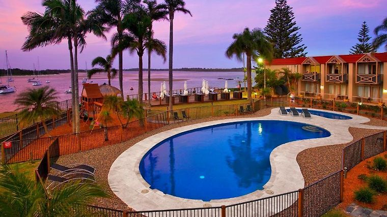 """Waters Edge Boutique Hotel A€"""" Country Comfort Port Macquarie Exterior Hotel information"""