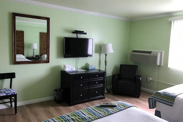 HOTEL LAKE INN EBENSBURG, PA 2* (United States) - from US$ 99   BOOKED