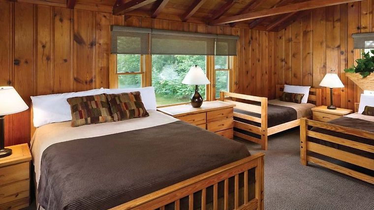 Beau °HUESTON WOODS LODGE U0026 CONFERENCE CENTER COLLEGE CORNER, OH (United States)    From US$ 238 | BOOKED