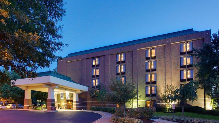 Hotel hampton inn richmond west glen allen va 3 united states from us 120 booked for Exterior alternatives richmond va