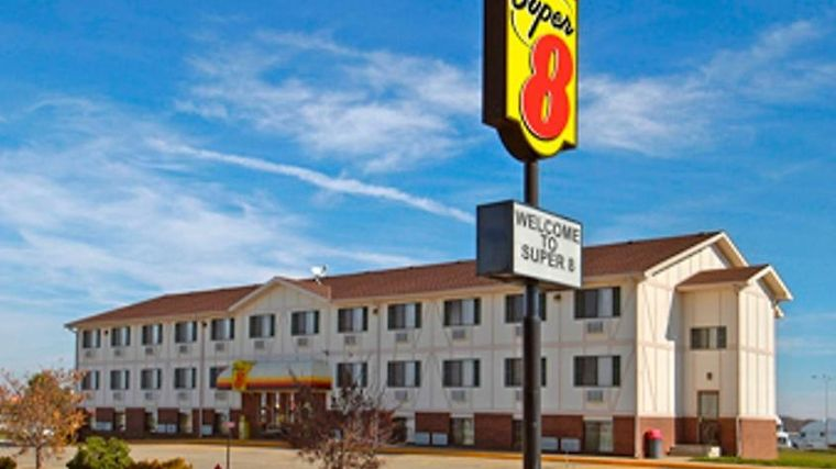 Super 8 Kingdom City Exterior Super 8 Kingdom City