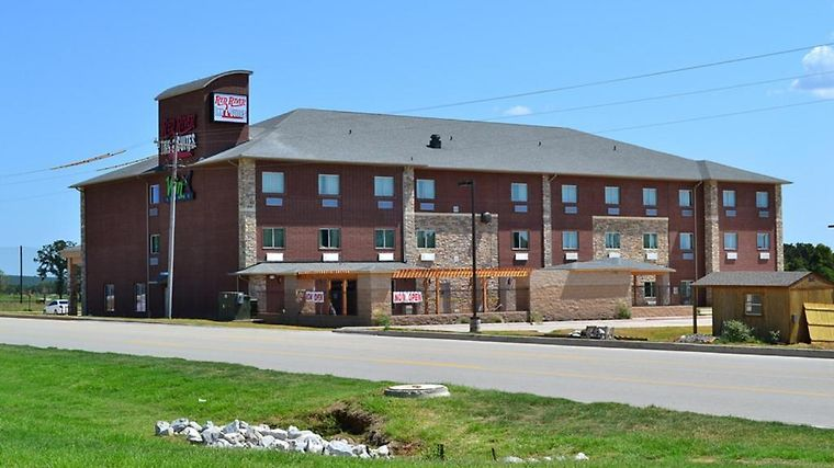 Red River Inn And Suites Exterior Red River Inn and Suites