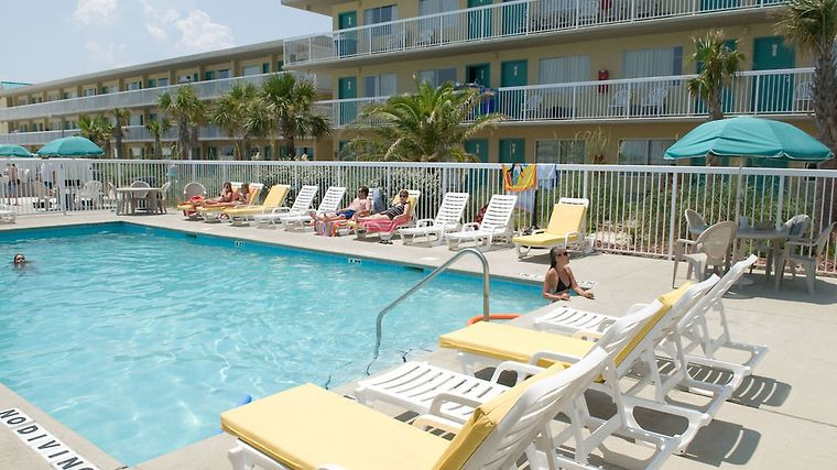 Hotel Days Inn Pensacola Beachfront Beach Fl 2 United States From Us 214 Booked