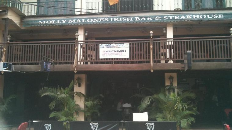 Molly Malone'S Irish Bar, Steakhouse & Guesthouse Exterior Hotel information