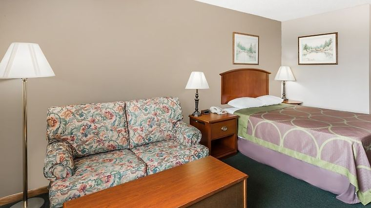 Hotel Super 8 Anamosa Ia 2 United States From Us 71 Booked