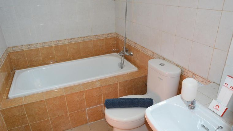 3BR GRAND PALACE WITH PRIVATE BATHTUB BY TRAVELIO JAKARTA (Indonesia ...