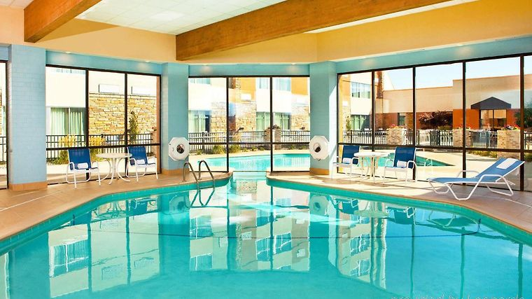 Hotel Four Points By Sheraton Saginaw Mi 3 United States From Us 140 Booked