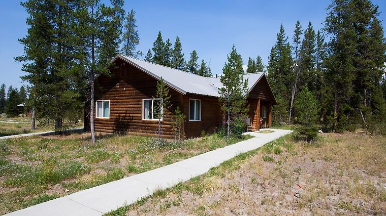 °HEADWATERS LODGE U0026 CABINS AT FLAGG RANCH COLTER BAY VILLAGE, WY (United  States)   From US$ 227 | BOOKED