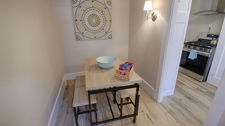 °LUXURY BEACON HILL 1 BEDROOM APARTMENT WITH DECK IN BOSTON, MA (United  States)   From US$ 480 | BOOKED