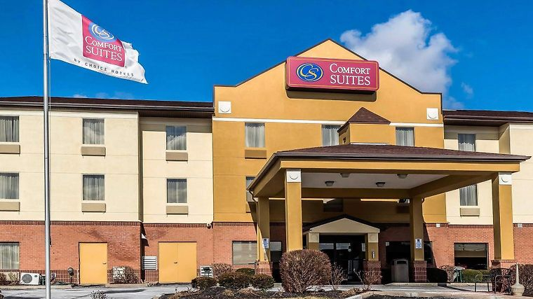 Hotel Comfort Suites Miamisburg Oh 3 United States From Us