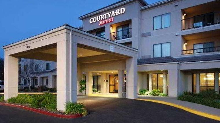 Courtyard By Marriott Roseville Exterior