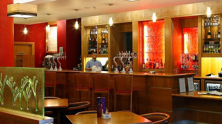 Jurys Inn Sheffield Restaurant Bar
