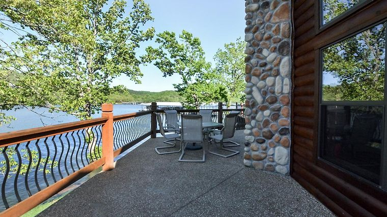 Chalets On Table Rock Lake Chalet 3 Lampe Mo United States Booked