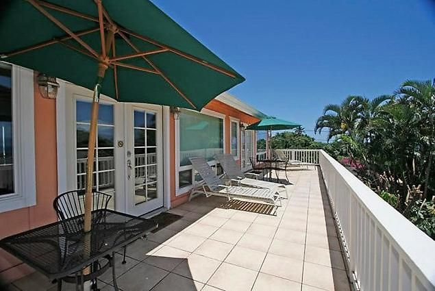 °HOTEL GARDEN GATE BED U0026 BREAKFAST LAHAINA, HI 3* (United States)   From  US$ 135 | BOOKED