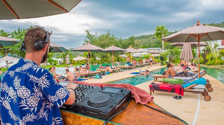 Hotel Pp Charlie Beach Resort Ko Phi 3 Thailand From Us 96 Booked