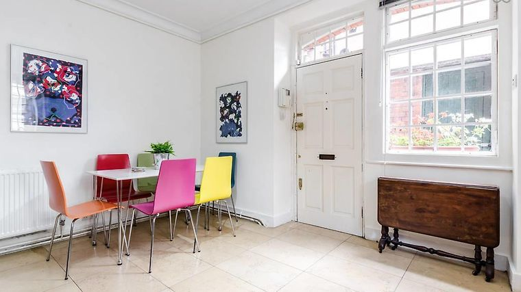 2 Bed Apartment Windsor Court London United Kingdom From Us 381 Booked