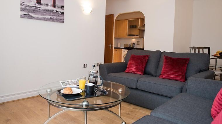 CELADOR APARTMENTS - RIVERSIDE HOUSE SERVICED APARTMENTS READING ...