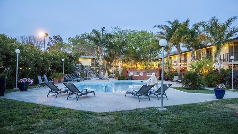 °HOTEL ROSE GARDEN INN SAN LUIS OBISPO, CA 2* (United States)   From US$  155 | BOOKED