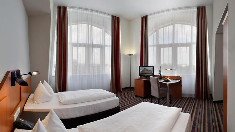 Ramada Hotel Leipzig City Centre Room
