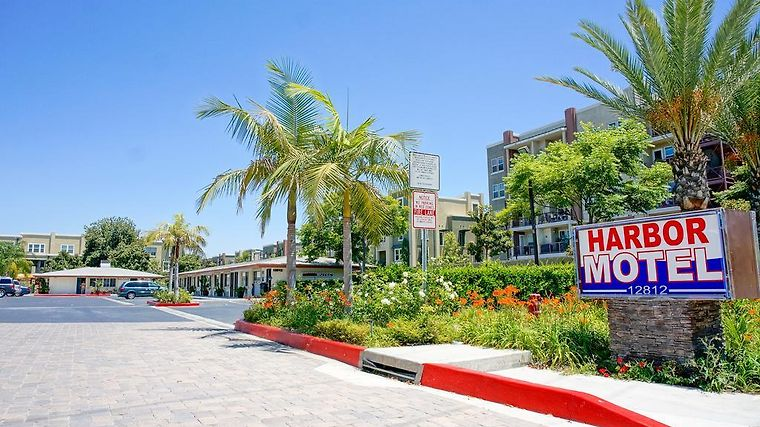 HOTEL HARBOR MOTEL ANAHEIM, CA 2* (United States) - from US$ 96 | BOOKED