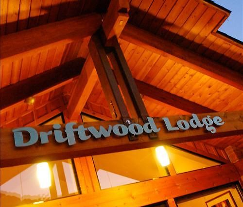 Driftwood Lodge Exterior